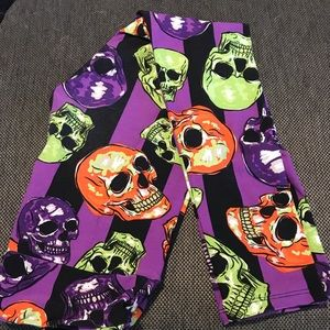Lularoe One Size Halloween Skull Leggings!